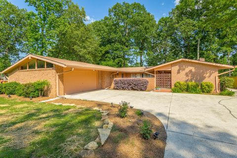 Photo of 2242 Peterson Dr Unit 1, Chattanooga, TN 37421