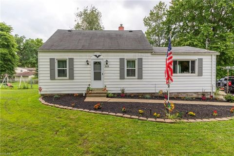 Photo of 3638 Orchard Ave, Hubbard, OH 44425
