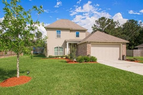 Photo of 348 Coconut Palm Dr, Madisonville, LA 70447