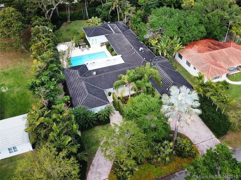 Photo of 7900 Altamira St, Coral Gables, FL 33143