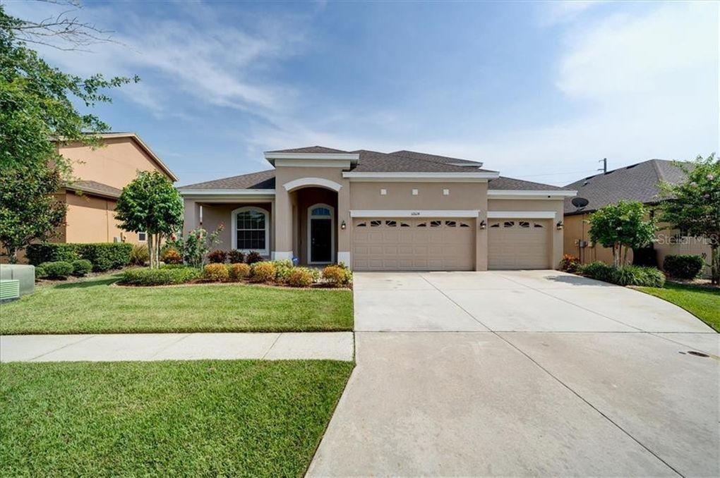 32624 Summerglade Dr Wesley Chapel, FL 33545