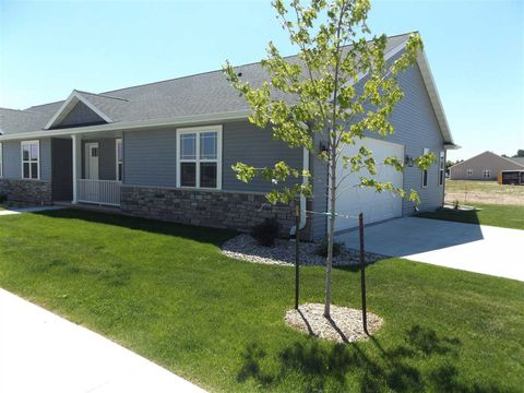 Photo of 201 Clubhouse Ln, Kimberly, WI 54136