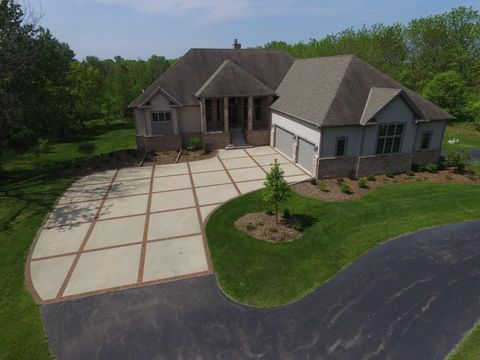 Photo of 12973 N Fox Hollow Rd, Mequon, WI 53097