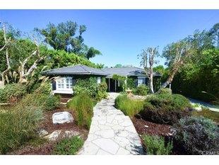 <div>3945 Via Solano</div><div>Palos Verdes Estates, California 90274</div>