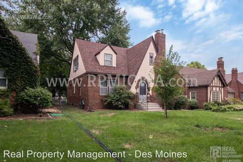Photo of 4107 Ovid Ave, Des Moines, IA 50310