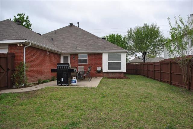 2059 Arbor Creek Dr, Carrollton, TX 75010