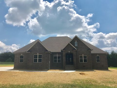 Photo of 104 Garland Crest Ct N, Tullahoma, TN 37388