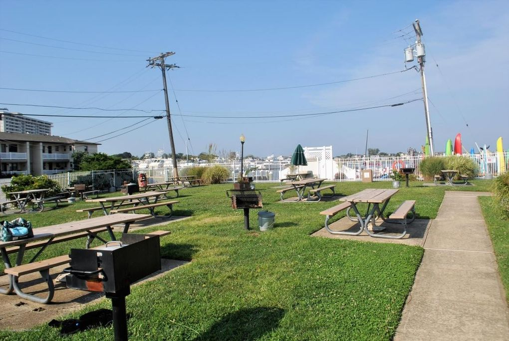 buddhist singles in monmouth beach Monmouth beach, nj (ap) – a jersey shore town has voted unanimously to ban plastic bags and straws from monmouth beach officials voted tuesday to ban single-use plastic bags, straws and.
