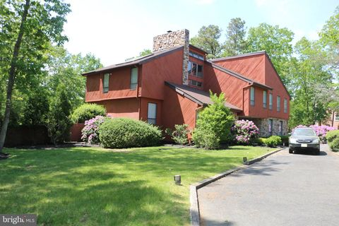 Photo of 7 Cedar Hill Ct, Voorhees, NJ 08043