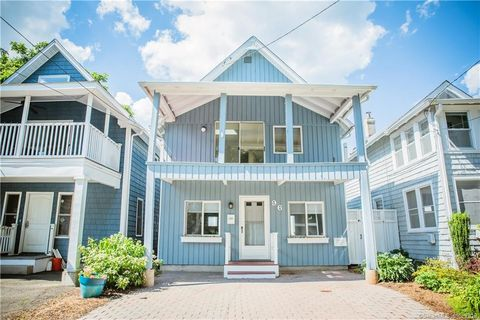 Terrific Short Beach Branford Ct Real Estate Homes For Sale Interior Design Ideas Oteneahmetsinanyavuzinfo