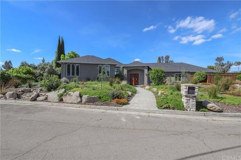 Photo of 6190 Country Club Pl, Merced, CA 95340