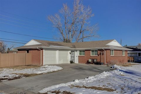 Photo of 1051 S Holly St, Denver, CO 80246