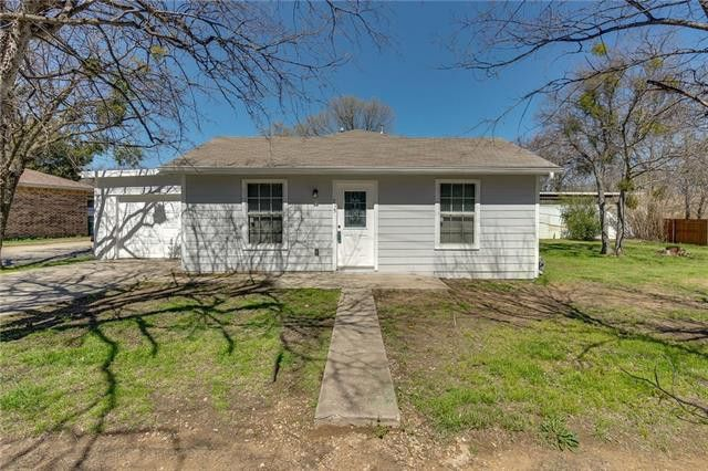 715 Thompson Dr, Lake Dallas, TX 75065