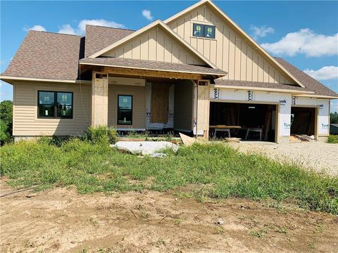 Photo of 2081 226th Ct, Winterset, IA 50273