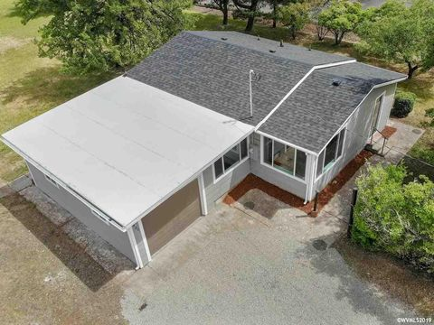 Photo of 6400 Sw Reservoir Ave, Corvallis, OR 97333