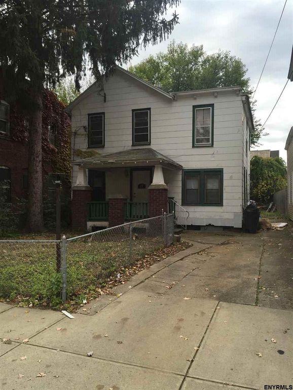 17 Close St, Schenectady, NY 12307