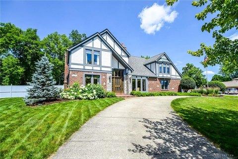 9455 Meadow Woods Ln, Washington Township, OH 45458