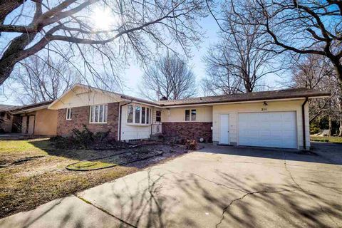 Photo of 211 W 26th St, North Newton, KS 67117