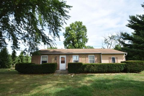 Photo of 1325 Indian Boundary Rd, Chesterton, IN 46304
