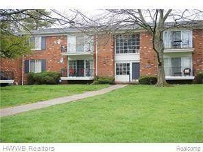 Photo of 408 Fox Hills Dr S Apt 4, Bloomfield Township, MI 48304