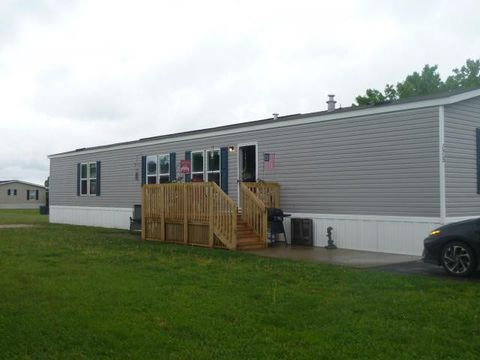 Photo of 175 Oak Mnr, South Bloomfield, OH 43103