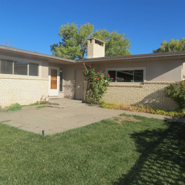 315 Venado St Los Alamos, NM 87544