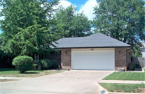 Photo of 853 E Rockwood St, Springfield, MO 65807