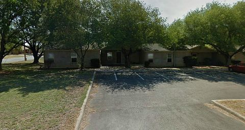 Photo of 1200 E Frio St, Pearsall, TX 78061
