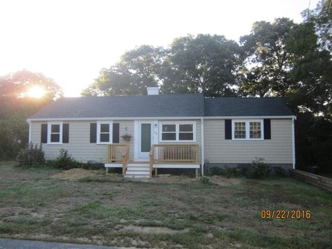 414 Old Craigville Rd, Centerville, MA 02632