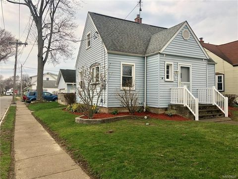 Photo of 304 78th St, Niagara Falls, NY 14304