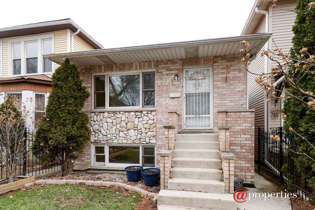 2717 N Avers Ave Chicago, IL 60647
