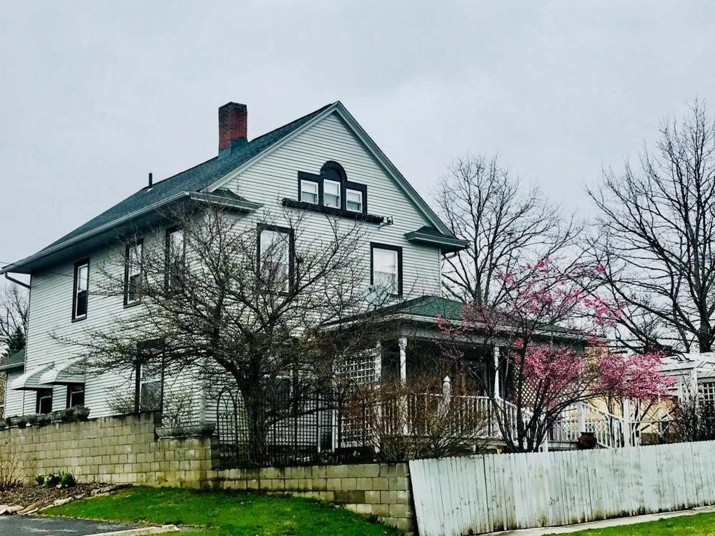 38 W High St, Mount Gilead, OH 43338