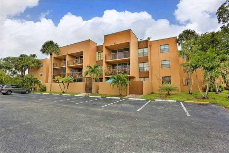 10835 Sw 112th Ave Apt 315, Miami, FL 33176