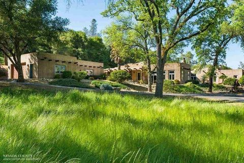 21817 Cottage Hill Dr, Grass Valley, CA 95949