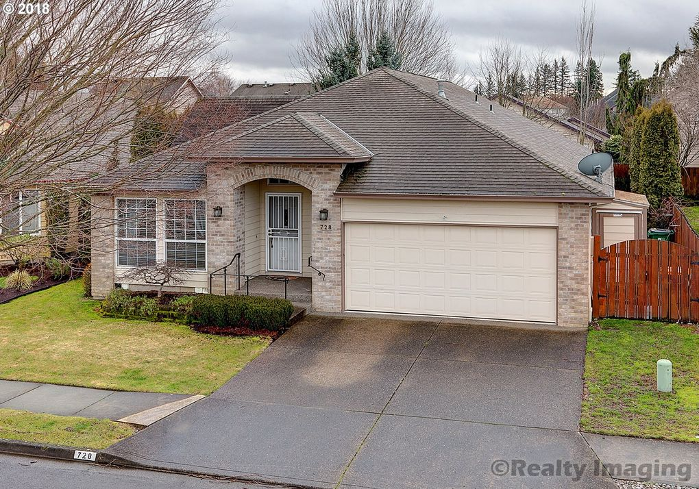728 Sw 24th St, Troutdale, OR 97060