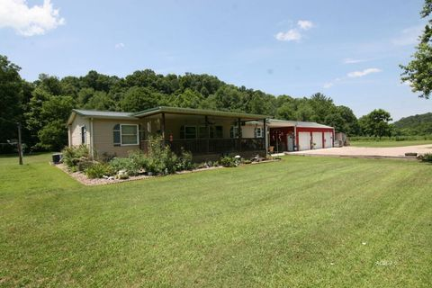 Photo of 259 Spires Rd, Vinton, OH 45686