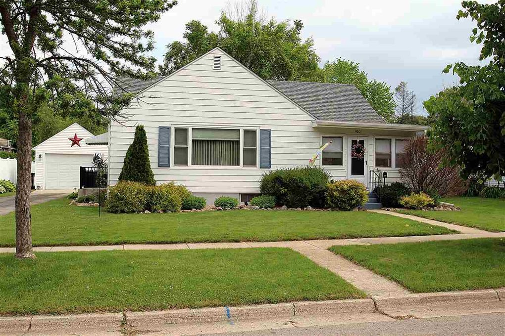 910 Dempster St Fort Atkinson, WI 53538