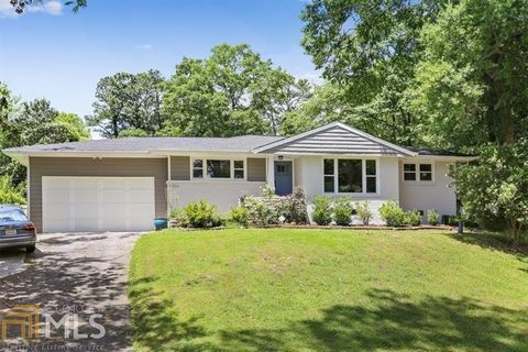 Photo of 3306 Pine Meadow Rd Nw, Atlanta, GA 30327