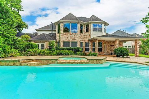 Sugar Land, TX Houses for Sale with Swimming Pool - realtor.com®