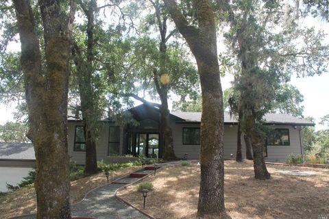 Photo of 10133 Loch Haven Dr, Santa Rosa, CA 95404