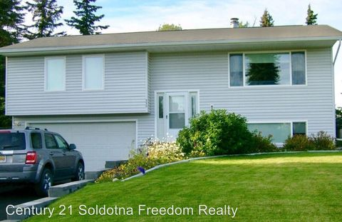Photo of 330 W Rockwell Ave, Soldotna, AK 99669