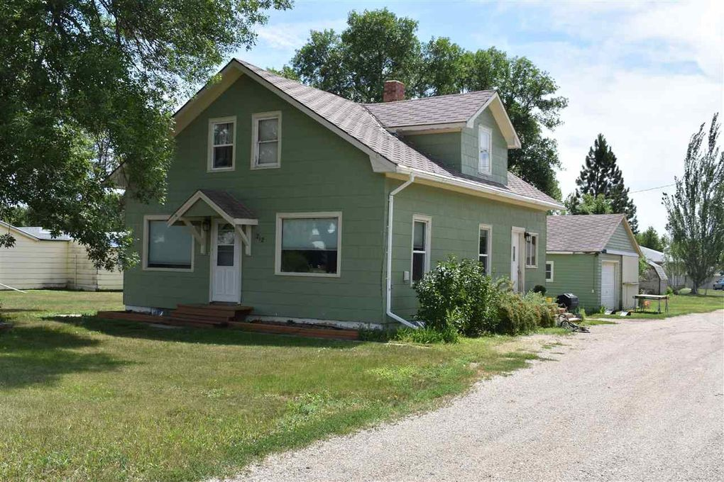212 1st Ave NE Garrison, ND 58540