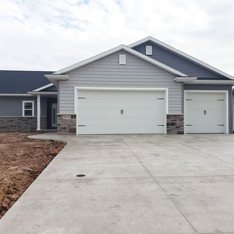 Photo of 2079 W Heron Ln, Grand Chute, WI 54913