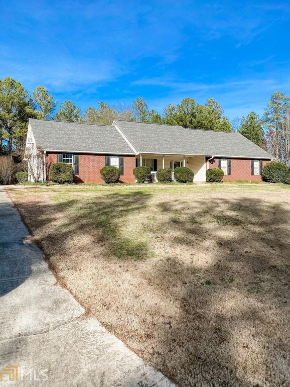 131 New Farm Dr Locust Grove, GA 30248