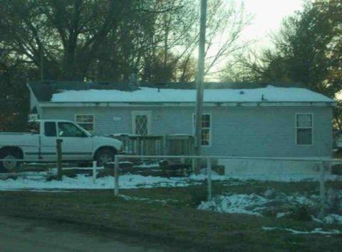 204 E Leslie Ave, Walker, MO 64790