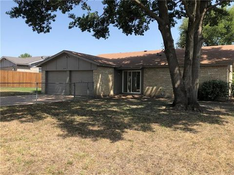 Photo of 1254 High Meadow Ln, Lancaster, TX 75146