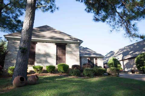 Photo of 1402 Windrose Dr, Brandon, MS 39047