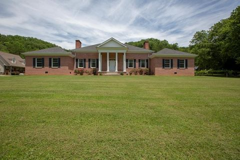 Photo of 1114 Country Meadows Rd, Breaks, VA 24607