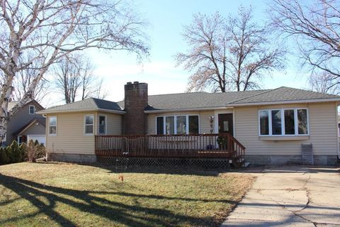 209 2nd Ave Se, Norwood Young America, MN 55397