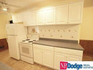 4505 Aurora Dr, Omaha, NE 68134 - Kitchen